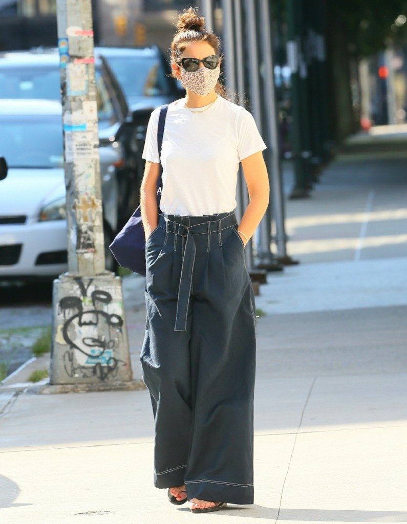 Katie Holmes out running errands on Saturday afternoon