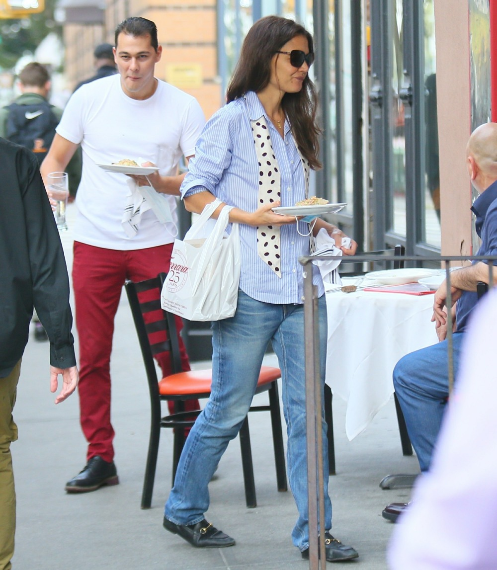 Katie Holmes and new boyfriend Emilio Vitolo have dinner outside his restaurant