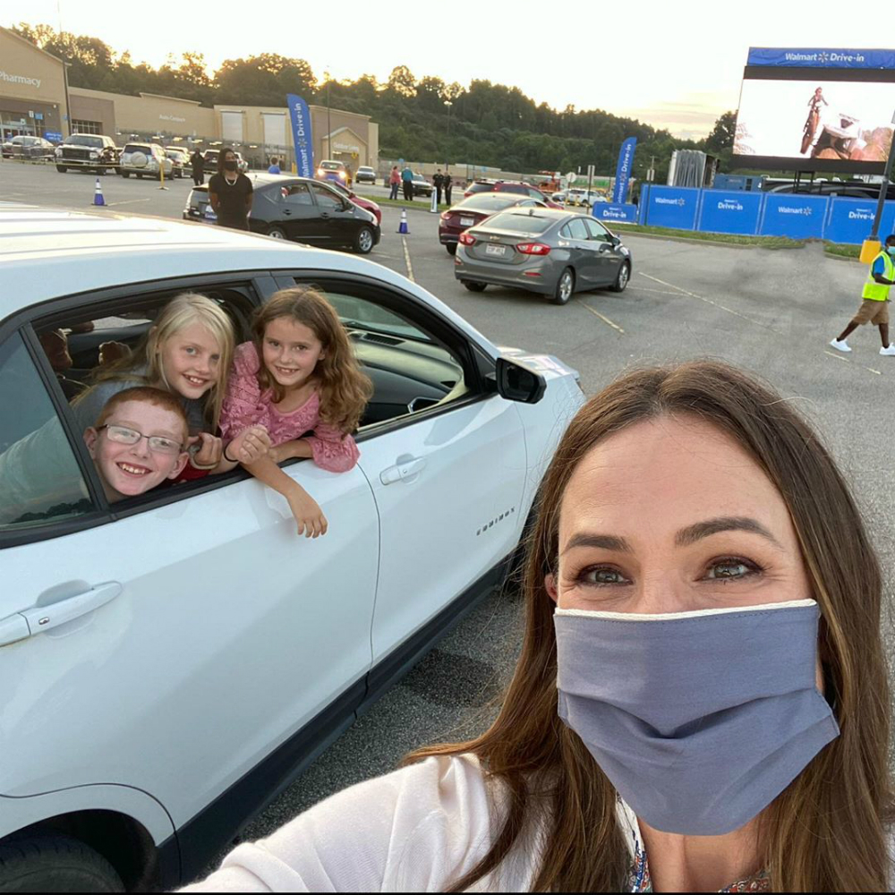 Jennifer Garner at a drive in for Walmart
