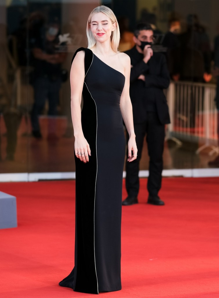 Vanessa Kirby pose on the red carpet at Closing Ceremony and Finale during  the 77th Venice International Film Festival ( La Biennale Di Veneziale ) on Saturday 12 September 2020