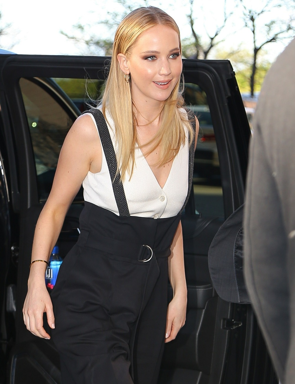 Jennifer Lawrence is all smiles in NYC