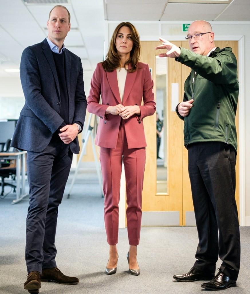 The Duke and Duchess of Cambridge visit the London Ambulance Service during the Coronavirus crisis!