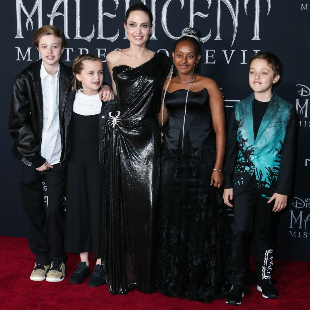 Shiloh Nouvel Jolie-Pitt, Vivienne Marcheline Jolie-Pitt, Angelina Jolie, Zahara Marley Jolie-Pitt and Knox Leon Jolie-Pitt arrive at the World Premiere Of Disney's 'Maleficent: Mistress Of Evil' held at the El Capitan Theatre on September 30, 2019 in Hol