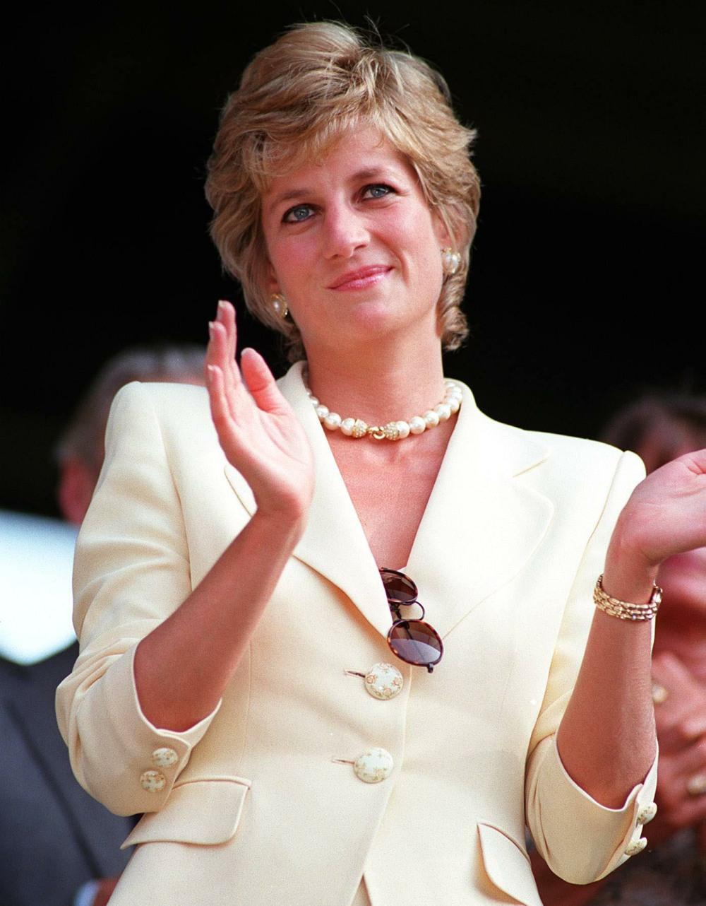 HRH PRINCESS OF WALES(HRH Princess Diana)Seen at the 1995 WimbledonTennis Championships.Bandphoto Agency PhotoB21 009812/E-36  09.07.1995