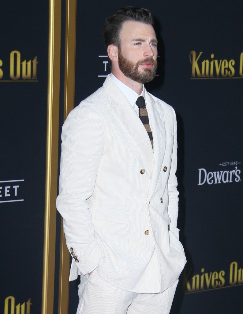 """Chris Evans attends The premiere of """"Knives Out"""" in Los Angeles"""