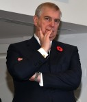"""Questioned for his connection with Jeffrey Epstein, Prince Andrew """"puts an end to his public commitments"""" **FILE PHOTOS**"""