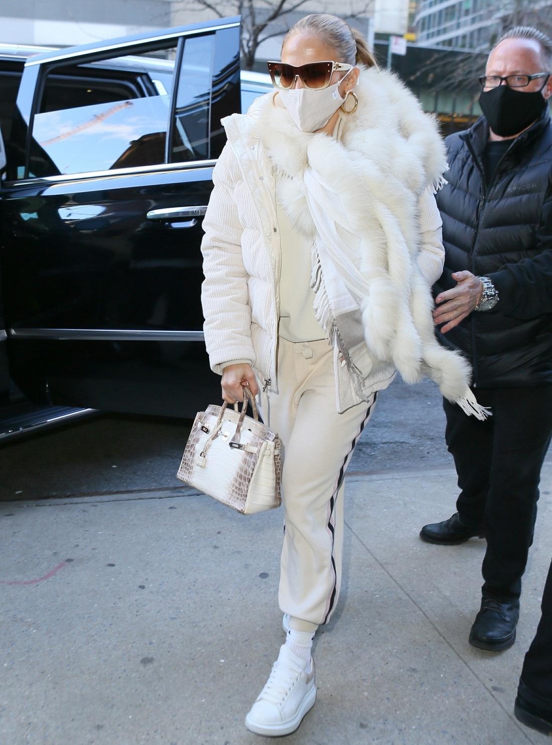 Jennifer Lopez heads to studio for New Year's Eve rehearsal