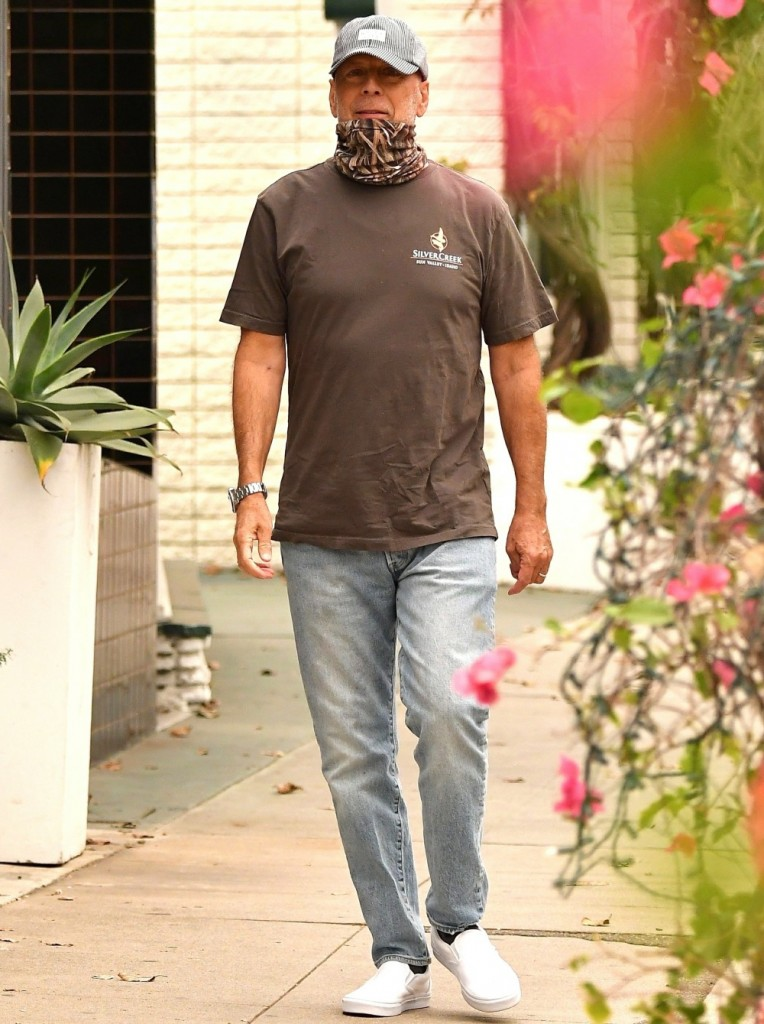 Bruce Willis goes for a Care Free Walk in the neighborhood
