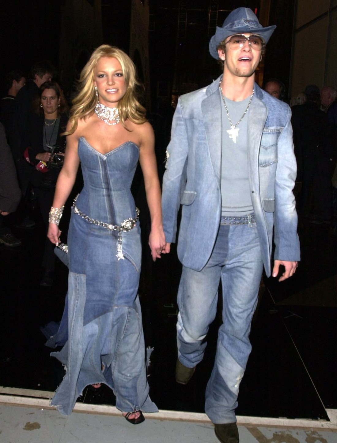 , 2001 britney spears and boyfriend justin timberlake at the 28th American Music Awards at the Shrine Auditorium in Los Angeles, CA  1/8/2001 URW/