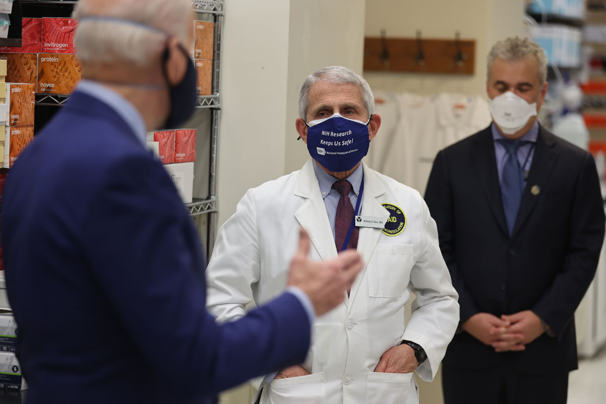 Biden visits the National Institutes of Health