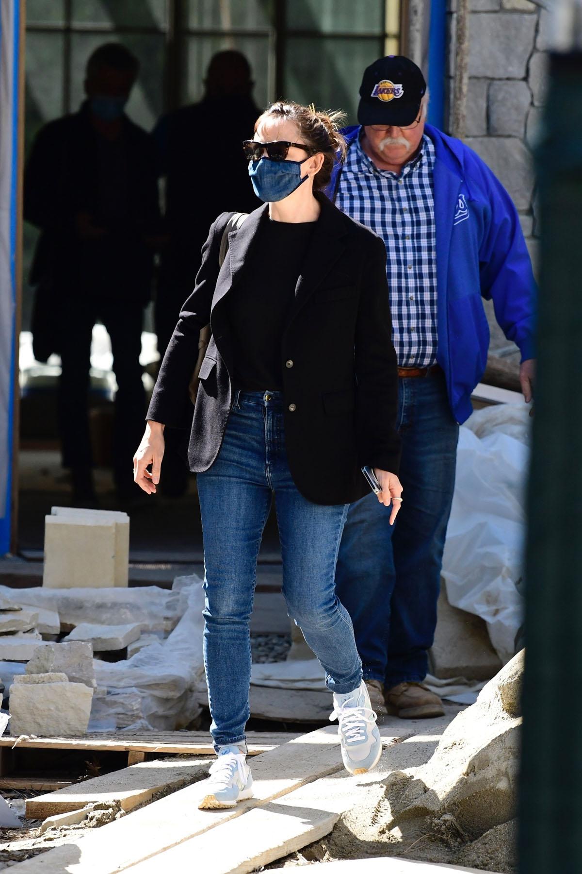 Jennifer Garner visits her house under construction before a trip to her office