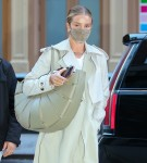 Rosie Huntington-Whiteley looks stunning in NYC holding a big purse