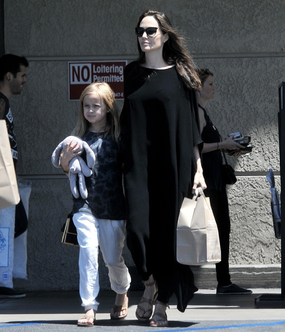 Angelina Jolie enjoys Fourth of July with Vivienne by going grocery shopping