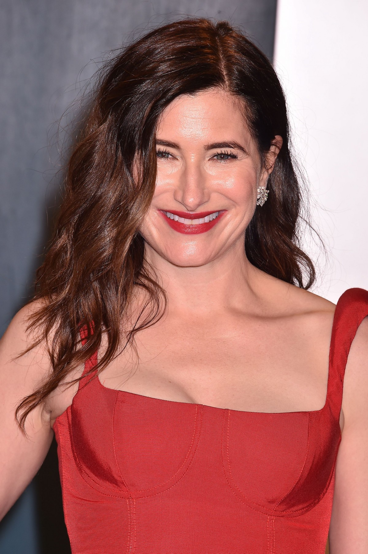 Kathryn Hahn at the 2020 Vanity Fair Oscar Party at Wallis Annenberg Center for the Performing Arts