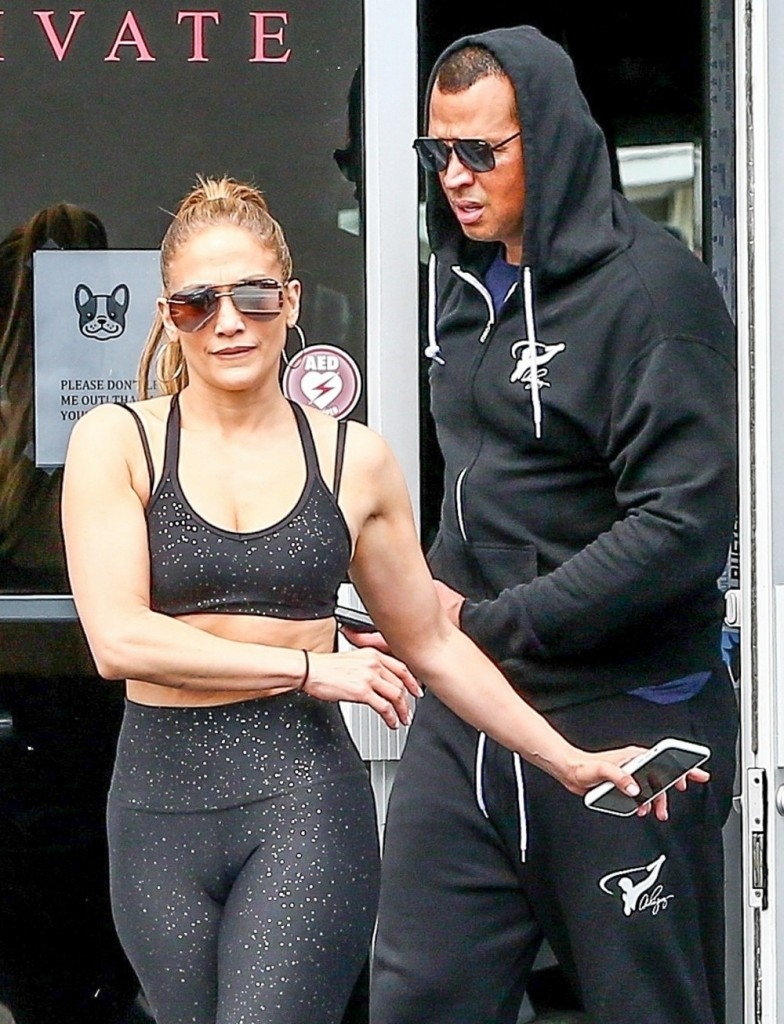 Jennifer Lopez steps out with Alex Rodriguez and her blinding engagement ring!