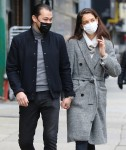 Katie Holmes and Emilio Vitolo Jr. look very happy holding hands in NYC