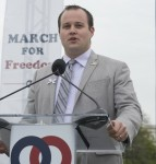 Josh Duggar Hit with Child Pornography Charges **FILE PHOTOS**