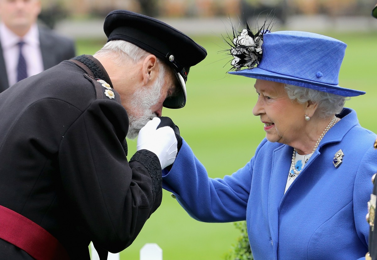 The Queen Visits The Honourable Artillery Company