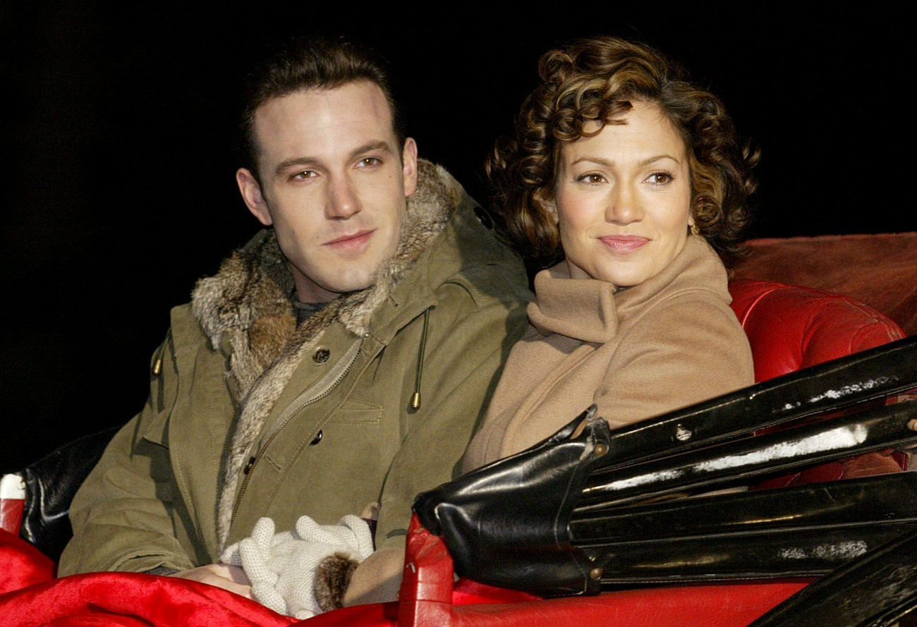 BEN AFFLECK AND JENNIFER LOPEZ ON THE SET OF JERSEY GIRL NY