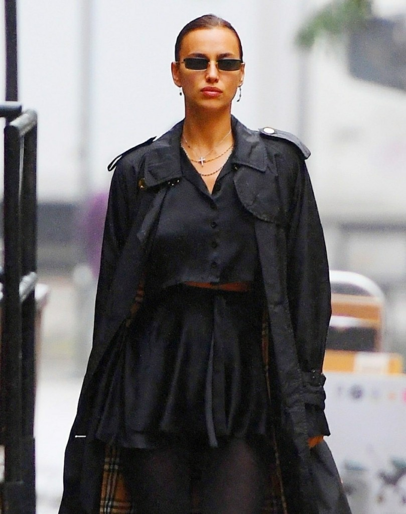 Irina Shayk in head to toe Burberry takes a stroll on a rainy day in NYC