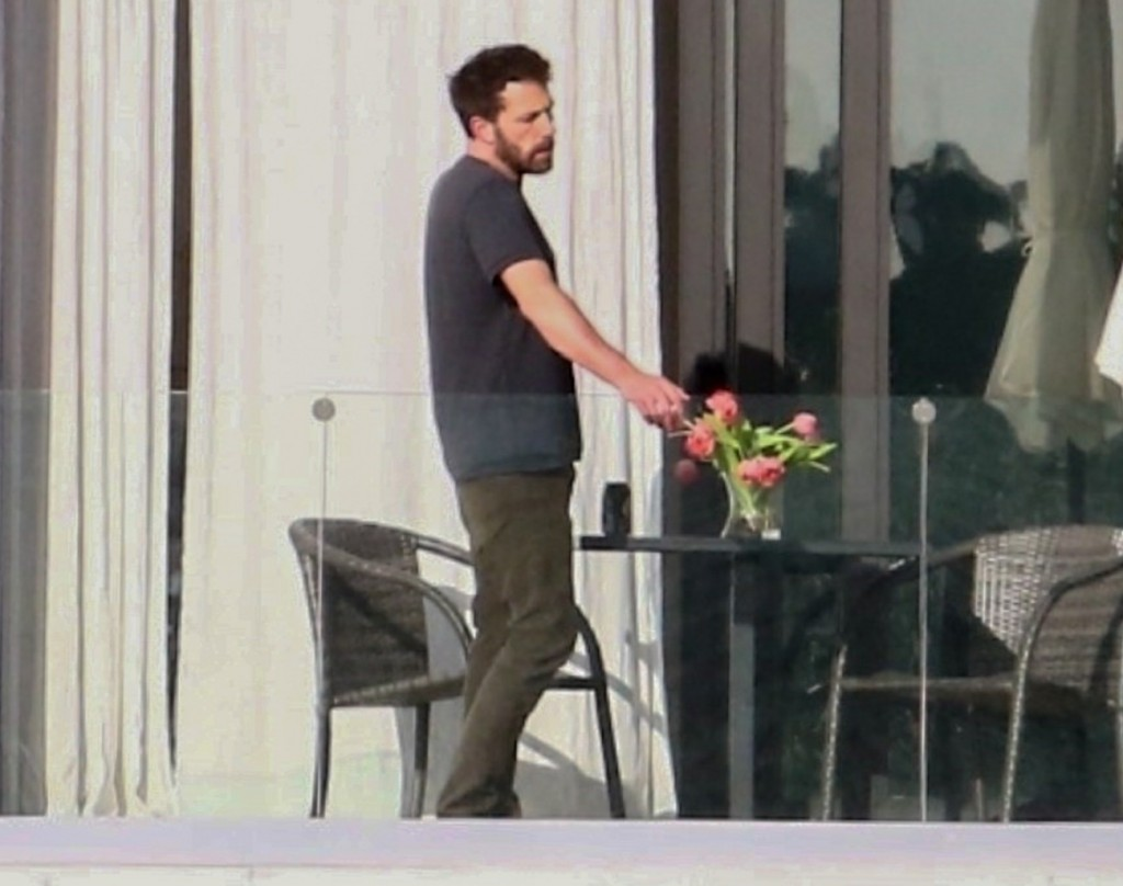 Ben Affleck steps out for a smoke at he and Jennifer Lopez's Miami Beach Love Nest!