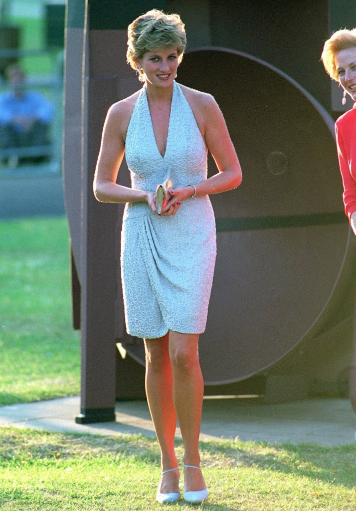 HRH PRINCESS DIANA (HRH Princess of Wales) As Patron of Serpentine Gallery, today (28.06.1995) attended a Gala Dinner at the Gallery in Kensington Gardens, in aid of its Renovation Appeal. Bandphoto Agency Photo B21 009843/A-34a  28.06.1995