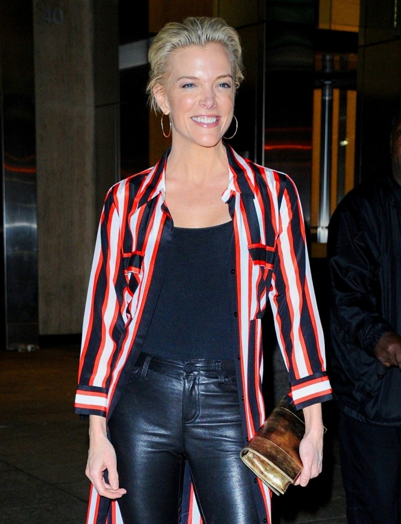 Megyn Kelly poses for pictures arriving at Nobu in New York, NY