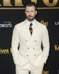 Chris Evans at arrivals for KNIVES OUT P...