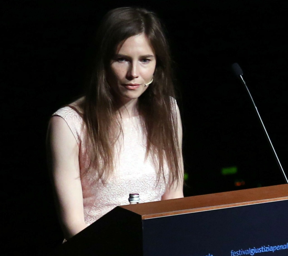 AMANDA KNOX DURING ITS INTERVENTION AT THE FESTIVAL OF CRIMINAL JUSTICE