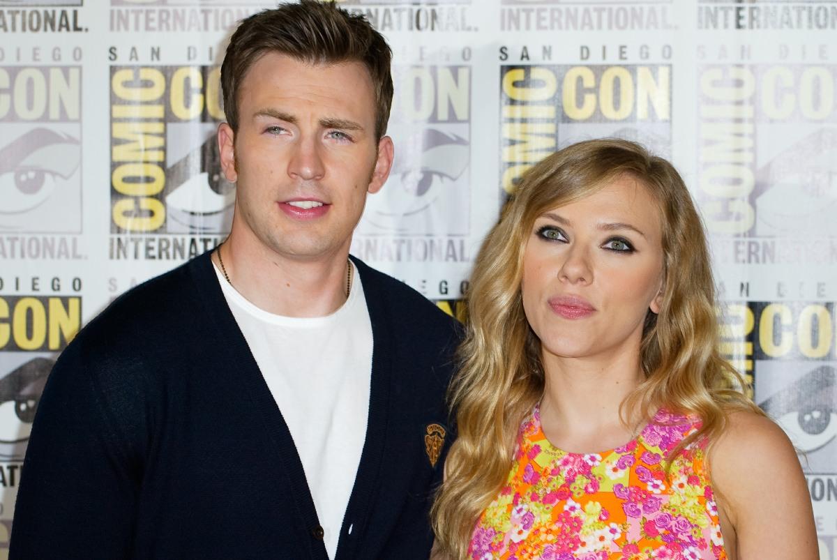 Scarlett Johansson & Chris Evans will star in a 'Romancing the