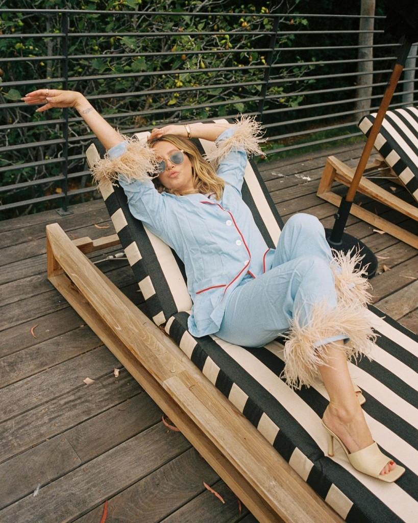 Ashley_Tisdale_deckchair