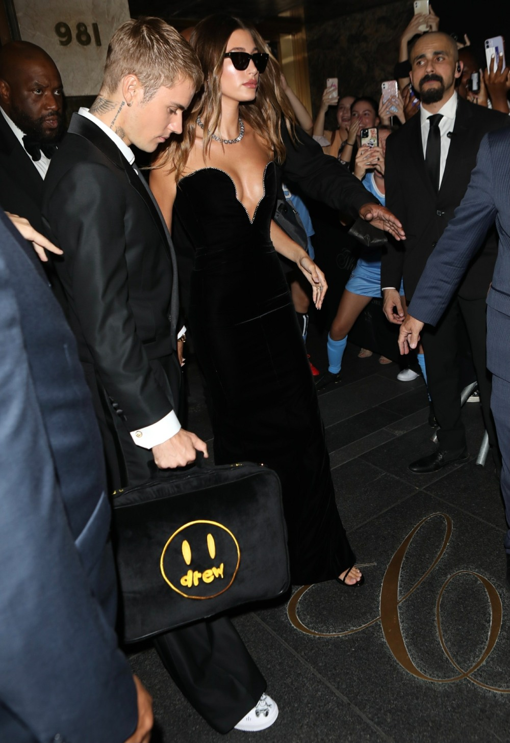 Justin and Hailey Bieber leave the hotel to attend the Met gala