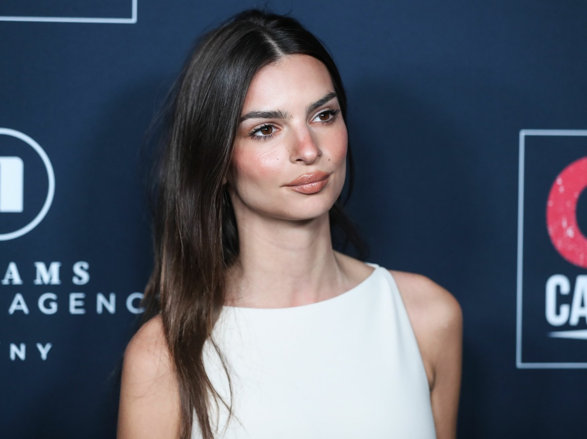Model/actress Emily Ratajkowski arrives at the 13th Annual GO Campaign Gala 2019 held at NeueHouse Hollywood on November 16, 2019 in Hollywood, Los Angeles, California, United States.